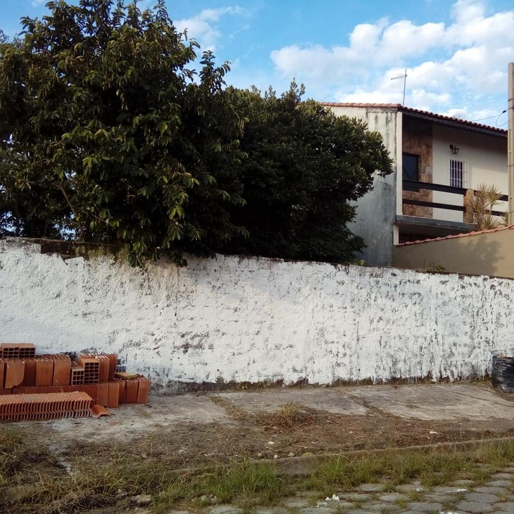 Terreno a Venda em Peruíbe