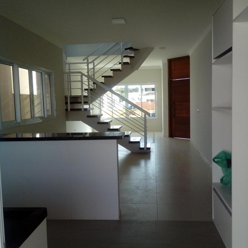 Casa em condomínio-
