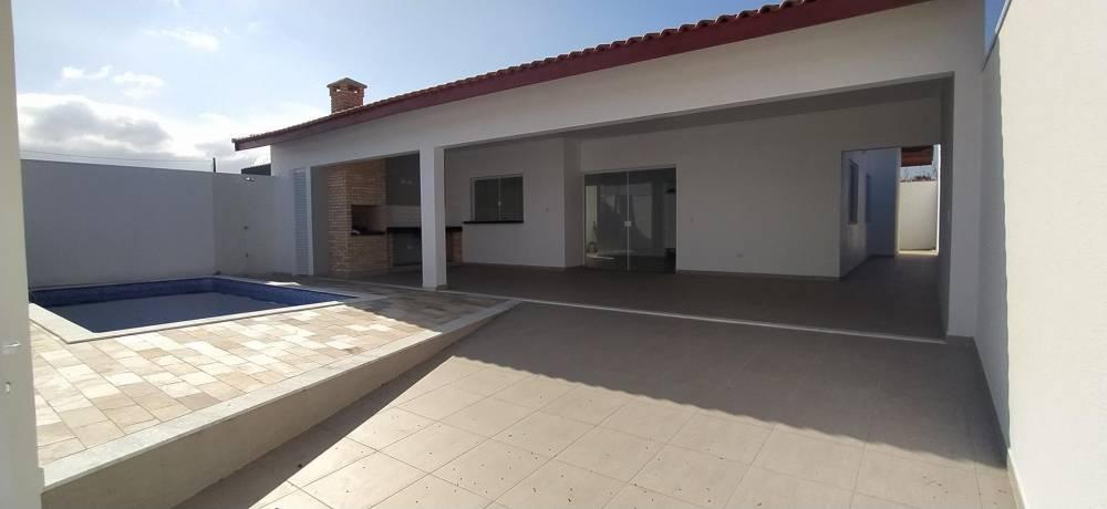Casa Nova a Venda em Peruibe